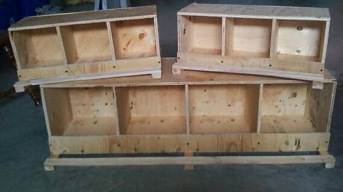 Pigeon Nest Boxes and Perches http://deseronto.localmarketpets.com/animals/chickenpigeon-nesting-boxes-and-show-carriers_1620706.html